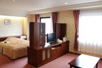 【スイートルーム】39㎡の広々とした1室限定のお部屋♪ベッドは170cm幅のクイーンサイズ!