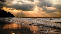 日本海まで車で10分!海遊びは勿論、夕日鑑賞も子供や大人に大人気♪
