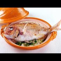 真鯛土鍋御飯※一匹入りの鯛飯は4名様以上からです。