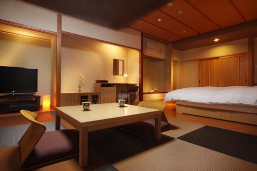 シンプルな和モダン空間♪「ツイン+8畳の和洋室」