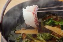 桜鯛と山菜のしゃぶしゃぶ