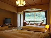 和の寛ぎとともに和風ツインベッドルーム。