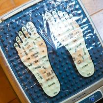 【アメニティ】電動の足つぼマッサージ機。温泉で温まってからの足つぼマッサージは効果抜群です