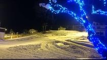 冬:宿からのゲレンデの眺め(ナイター)