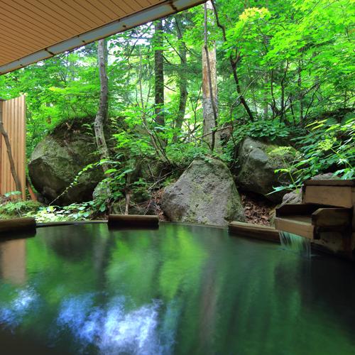 ■大自然の湯「鳥の声」 露天風呂(夏)