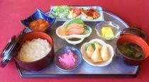 夕食膳 1300円(税込)※一例