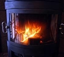 お食事処の暖炉