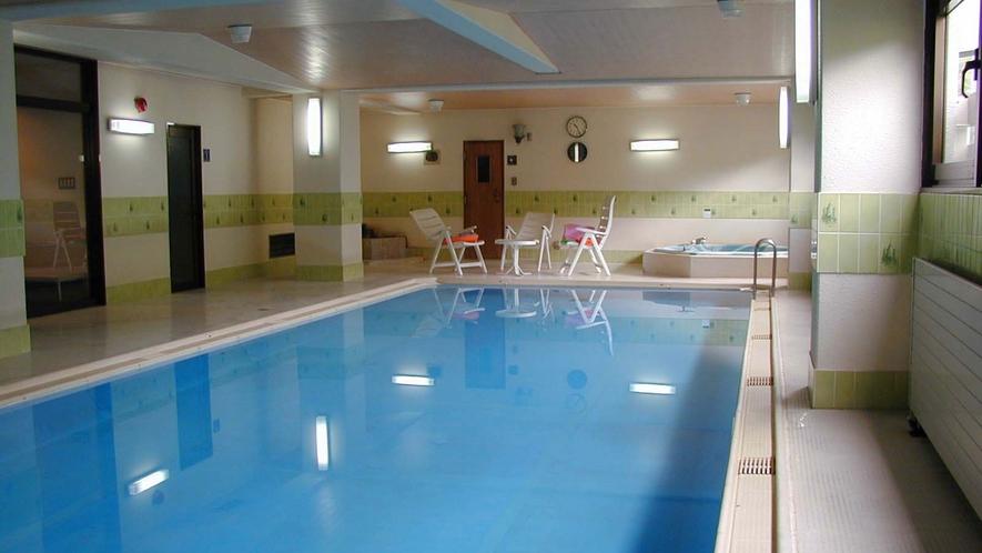 *温水プール/毎日15時00分~20時00分の間にて無料でご利用いただけます(水着着用)