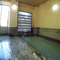 *お風呂(男湯)一例/志賀山温泉を源泉かけ流しをお楽しみいただけます。