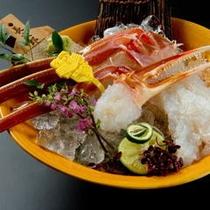 ぷりぷりの蟹刺しは特製醤油にて。