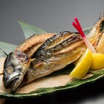 丸ごと1本浜焼き鯖