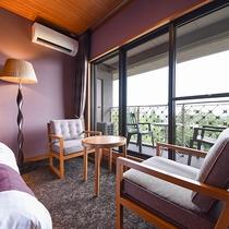*【洋室】7/15リニューアル!ベッドルームからも日本庭園「松濤園」を臨むことができます。