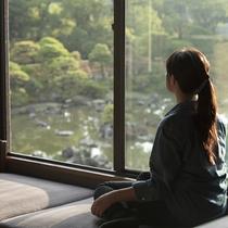 ・松濤園の大パノラマをお楽しみただけるお部屋もございます。(客室一例)