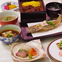 【華プラン】旬の食材をふんだんに使用した季節料理をお楽しみいただけます。