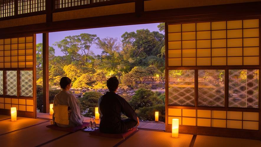 *【大広間】松濤園の灯篭灯り。昼間とは違った雰囲気の松濤園をお愉しみください(18:00~21:30