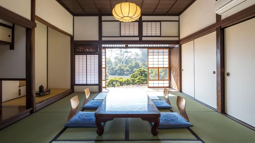 【集景亭(個室)】個室の襖を開けると、日本庭園「松濤園」が一望できます。