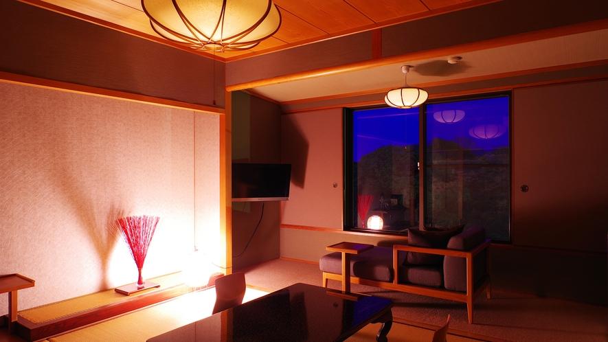 *【和室8畳】窓から臨む夜の日本庭園「松濤園」をご堪能くださいませ。