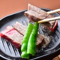 夕食 「黒毛和牛の陶板焼き」