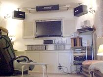 プレールーム 40インチフルハイビジョンTV or 60インチスクリーンと5.1chサラウンドでDVD等を楽しめます