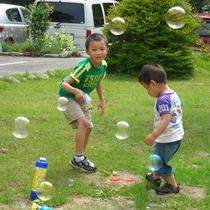 天気のいい日にはお庭で遊んでね!
