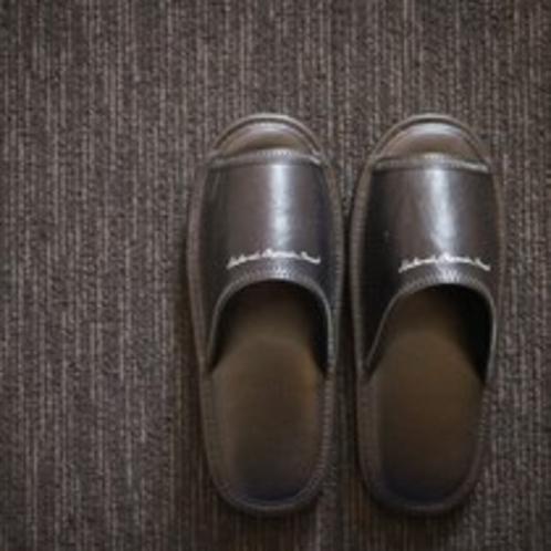 【健康イオンスリッパ】客室では靴を脱いでリラックス