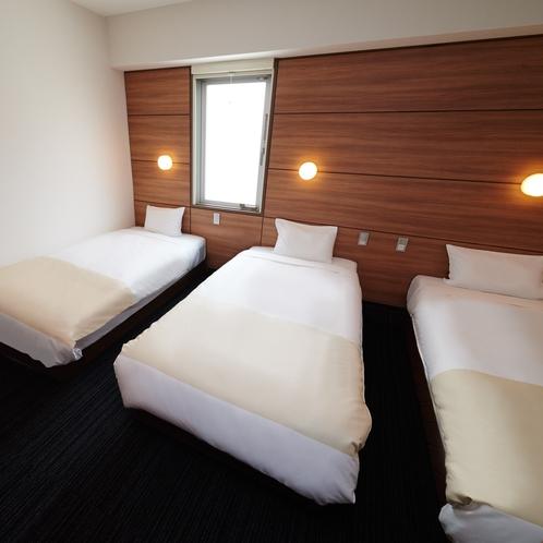 【トリプルルーム】 100cm幅のシングルベッド3台