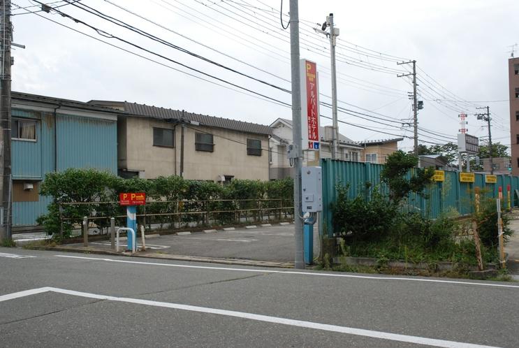 第二駐車場入り口