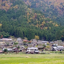 *茅葺屋根の現存率日本一の山里、美山。昔の日本を思い出させる景色ですね。
