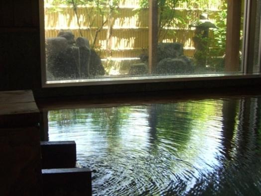 【 加水 加温無し 】 源泉かけ流しの湯 と 控えめ食事を 楽しむ 三日月コース