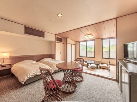 【禁煙室】和洋室 ツインベッド+6畳和室★バリアフリー★