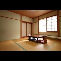 和室8畳。ゆったり寛げる和室です。