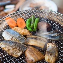 【朝食】備長炭の炭火で炙る干物 ※イメージ