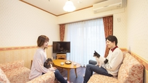 【メゾネットルーム】リビングスペース
