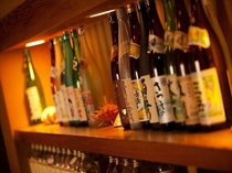 日本酒、焼酎を中心に各種お酒を取り揃えております。