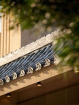 玄関の屋根瓦