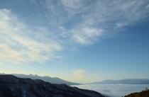 近くの高台からの朝の風景