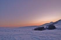 冬の車山肩の夜明け