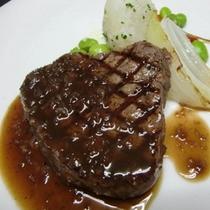 牛フィレ肉のグリエ