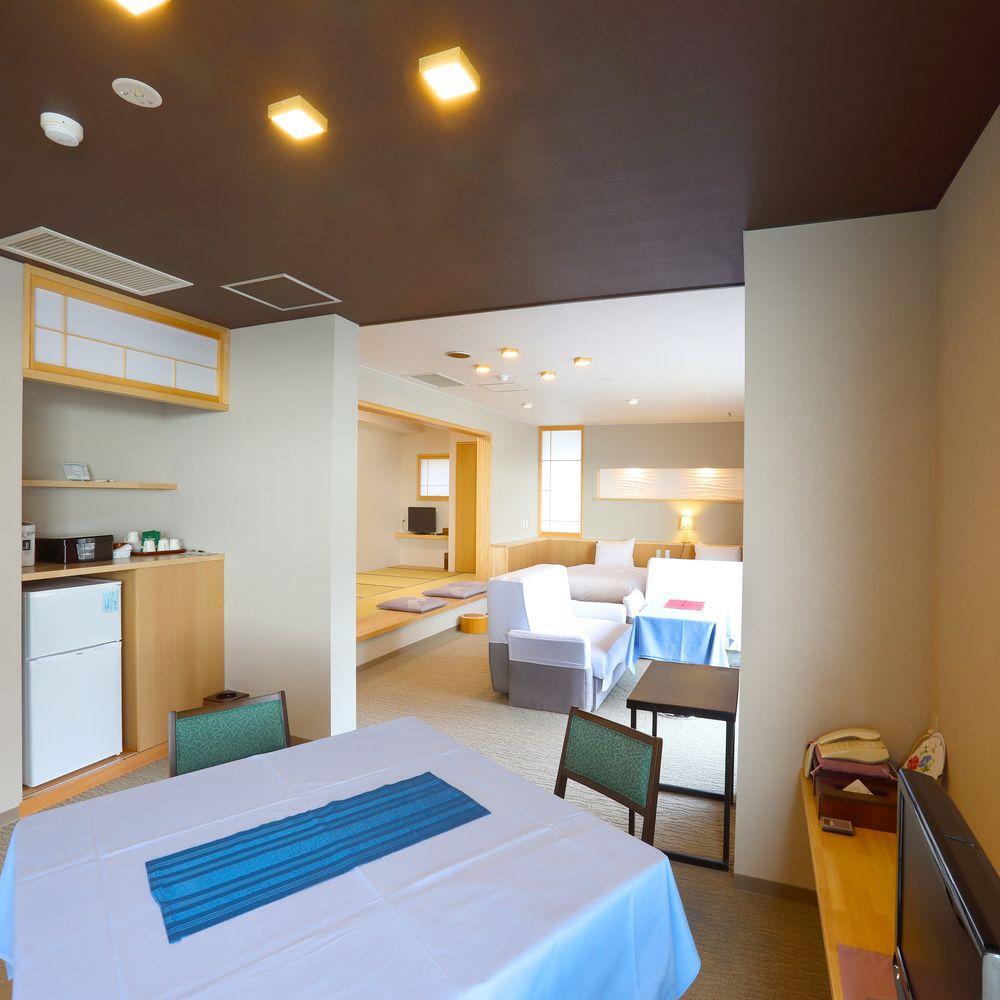 【リノベーション特別室】広々した造りの特別室(ベッドルーム・ソファー・小上がり和室)(一例)