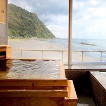 趣きの異なる浴槽を完備!2階大浴場