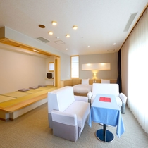 【リノベーション特別室】ベッドに寛ぎながら・・・海を眺め寛ぎタイムを♪(一例)