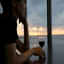 夕陽を眺めながらワインタイムを♪