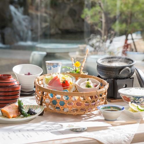 レストランでのお食事・朝食イメージ