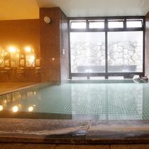 館内大浴場も天然温泉♪24時間お好きな時間にご利用いただけます。(10時~14時頃までは清掃時間)