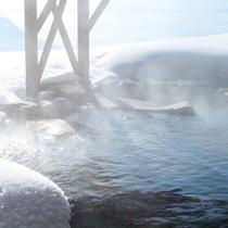 露天風呂*遠見の湯(とおみのゆ)*冬は雪見の露天風呂に♪