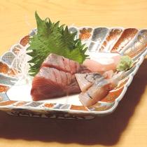 *【夕食一例】新鮮な海の幸もご堪能下さい