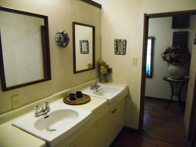 洗面所2階女子