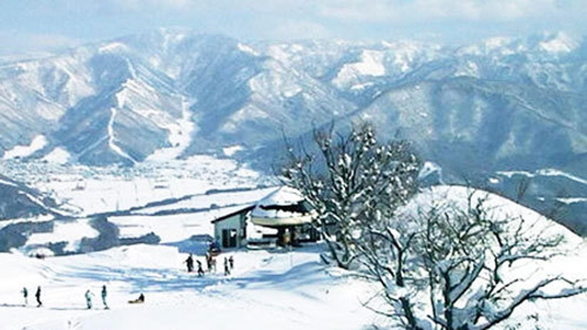 *戸狩温泉スキー場。オリオンゲレンデまで徒歩2分!ウィンタースポーツをたっぷりお楽しみ下さい♪