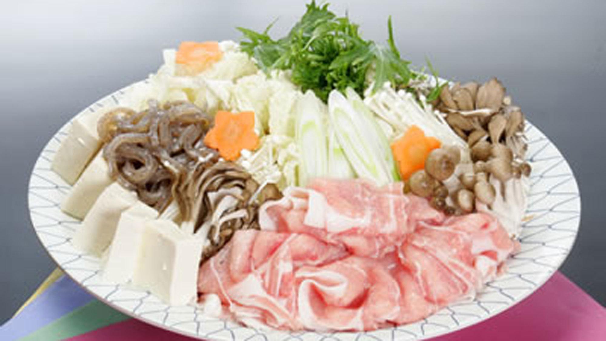 *みゆき鍋/旨みと口当たり柔らかいみゆきポークはたっぷり野菜と一緒に。
