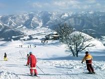 戸狩温泉スキー場。オリオンゲレンデまで徒歩2分!ウィンタースポーツをたっぷりお楽しみ下さい♪